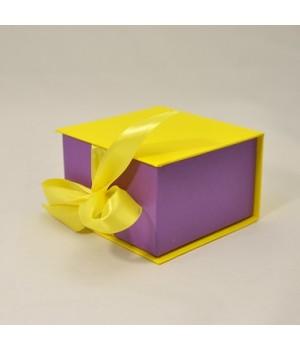 Коробка табакерка 12*12*7,5 см жовта на cтрічках
