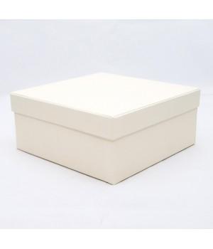 Подарочная коробка крышка-дно 18х18х8 см айвори