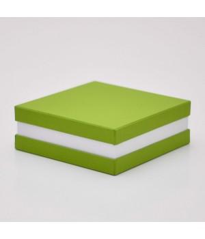 Коробка крышка -дно с проставкой 17*17*6 см зеленая матовая