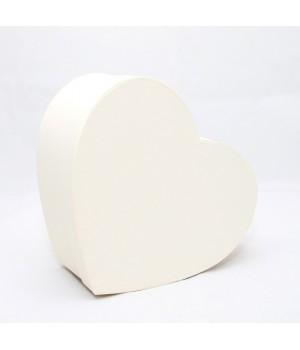 """Коробка у формі """"Серця"""" 25*20*10 см біла ламінація"""