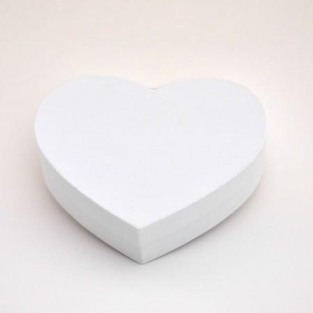 """Коробка у формі """"Серця"""" 30*25*12 см біла ламінація"""